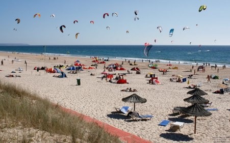 praia-nova-vaga-costa-da-caparica