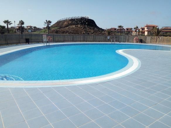 swimming pool surf Camp Fuerteventura