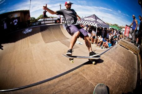 surf School-and-skate-mini-ramp