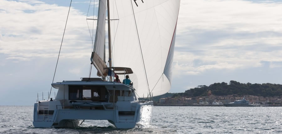 catamaran-fountaine-pajot-helia44-ext-52