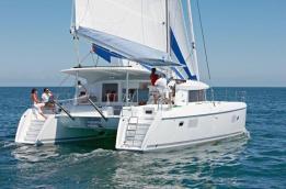 Catamaran-lagoon-421-Sailing4