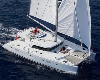 catamaran_charter_lagoon_500_sailing6