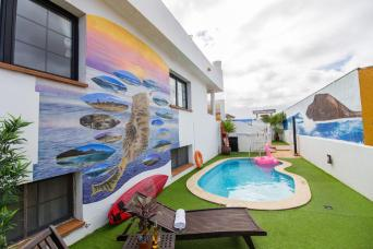 CBCM Surf Hostal pool 2