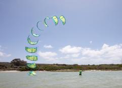 CBCM / Airush e-learn kite Flag out